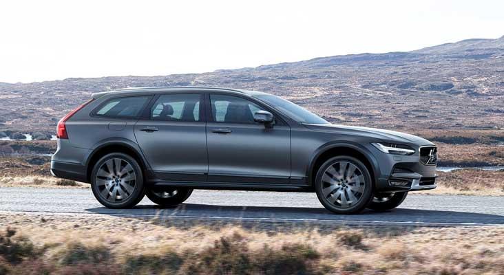 Naujasis Volvo V90 Cross Country