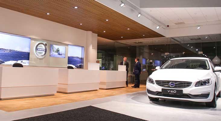 """Atnaujintas """"Volvo"""" automobilių centras"""